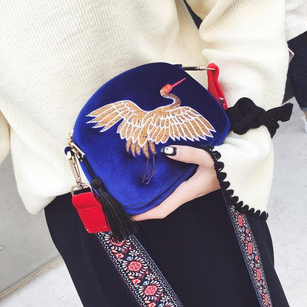 Women National Style Velvet Embroidery Crane Messenger Bag Tassel Retro Shoulder Bag